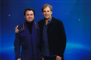 Scott Bakula<br />- Capt. Jonathan Archer, Star Trek: Enterprise<br />- Dr. Sam Beckett, Quantum Leap (Zurück in die Vergangenheit)